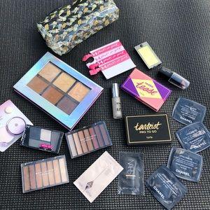 Makeup bundle Sephora eyeshadow palette essentials